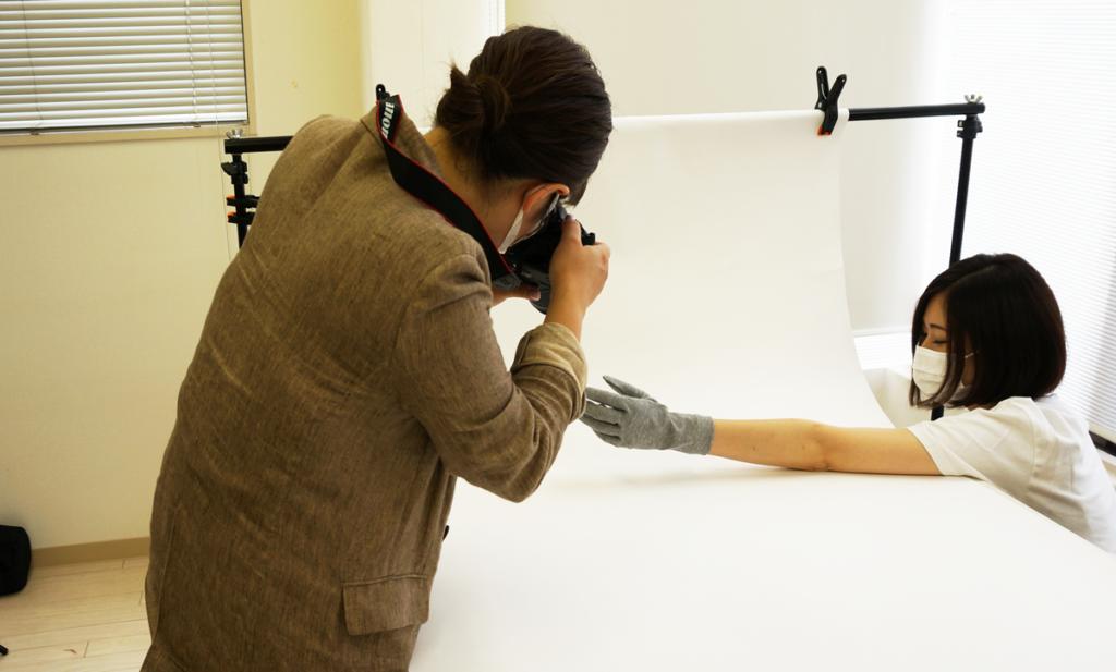 デザイナー田中さんの手袋撮影